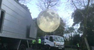 Airstar lune géante After Dark