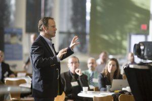 Comment trouver un conférencier évènement grâce à Lespeakers intervenants à un événement
