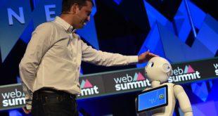 robot pepper en animation durant le websummit day