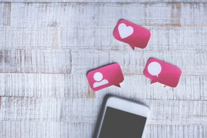 évaluation événement réseaux sociaux commentaires et avis