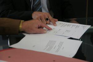 coronavirus couverture événement contrats à vérifier