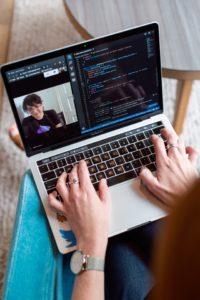 le live streaming permet les réunions en entreprises
