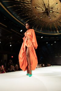 associer un thème pour organiser un défilé de mode