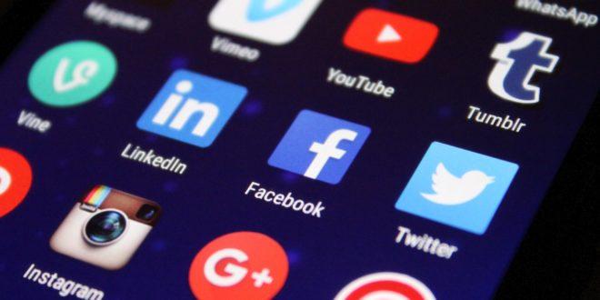 utiliser les médias sociaux pendant la pandémie