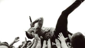 la nouvelle normalité : les artistes deviendront le symbole de la révolution