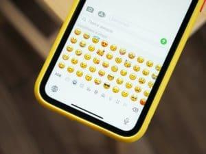 chanson en emoji