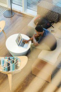 team building online confortable chez soi