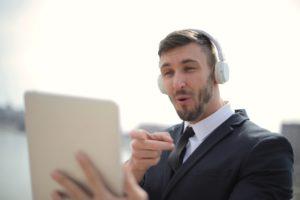 assurer l'efficacité d'un team building virtuel hôte dynamique pour remise de prix en ligne