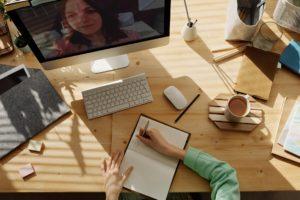 réunions en ligne avec collaborateurs