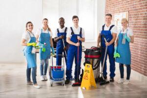 équipe de nettoyage après évènements
